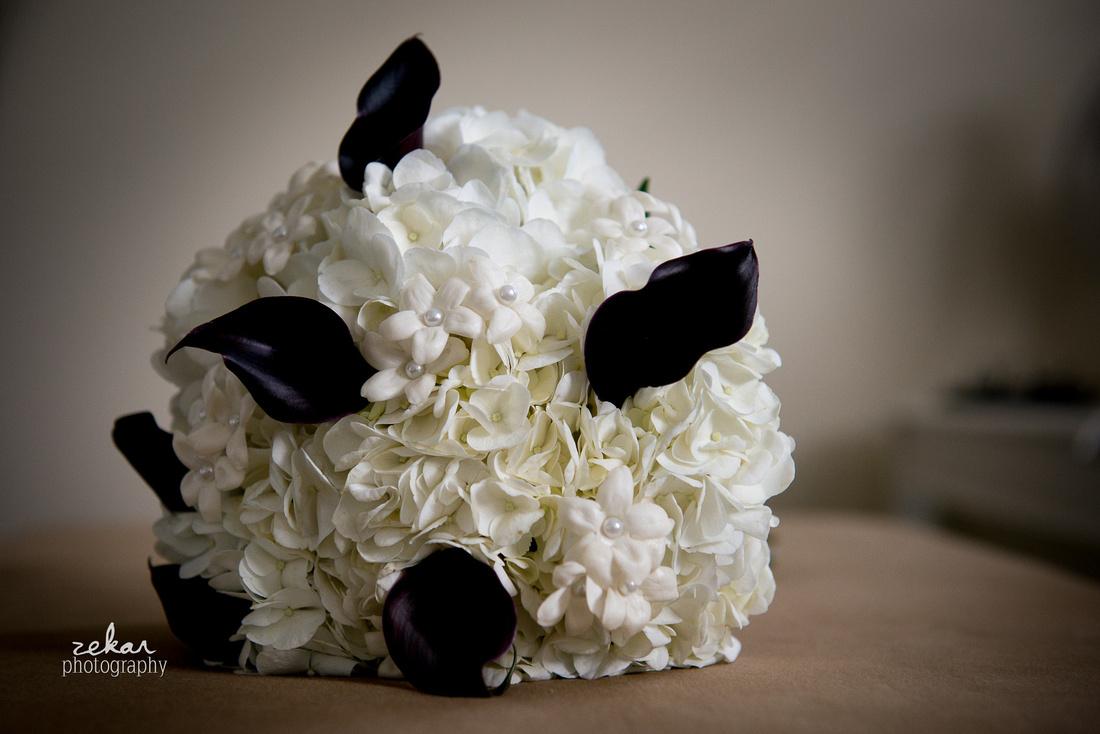 black calla lilly bouquet