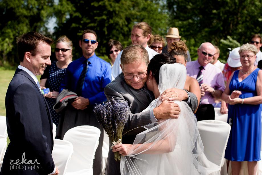 dad giving daughter away