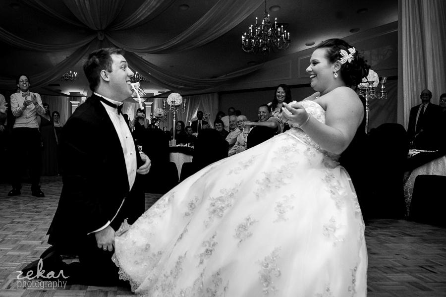 groom gets garter