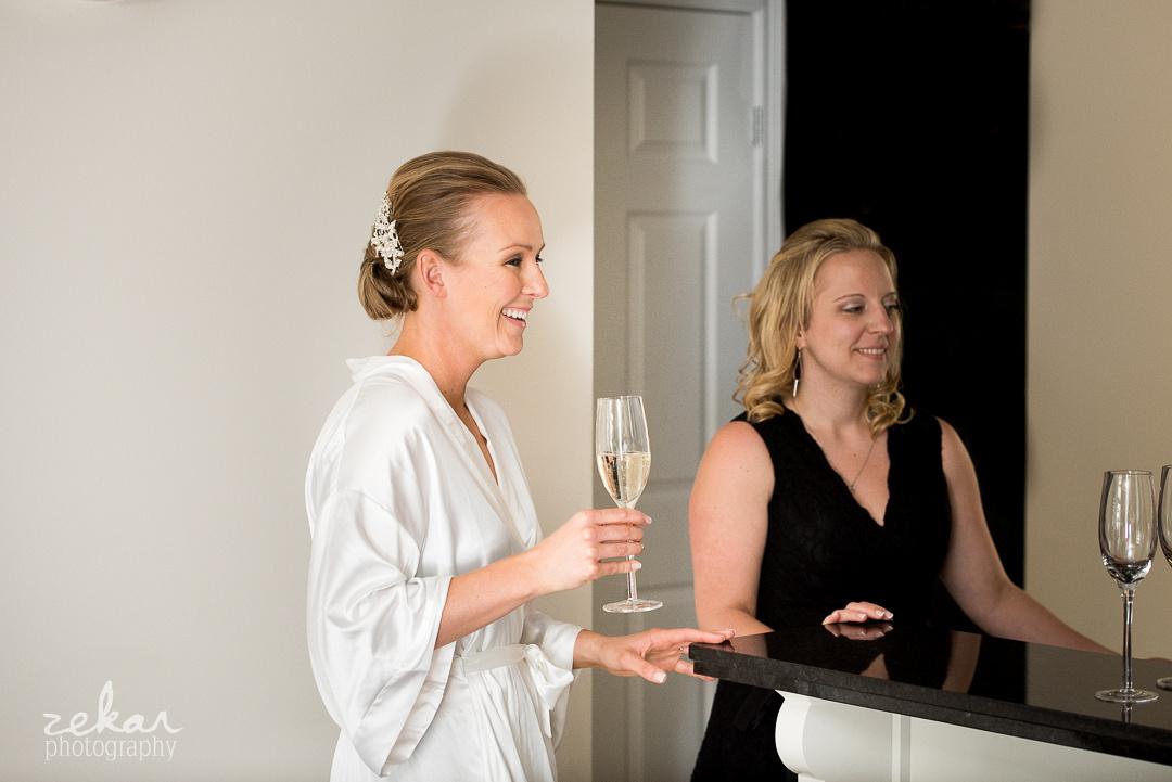 bride champagne