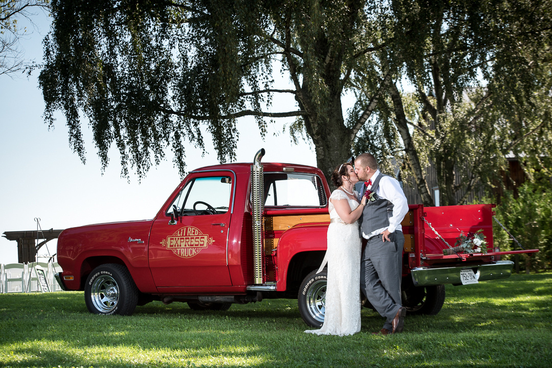 groom by truck
