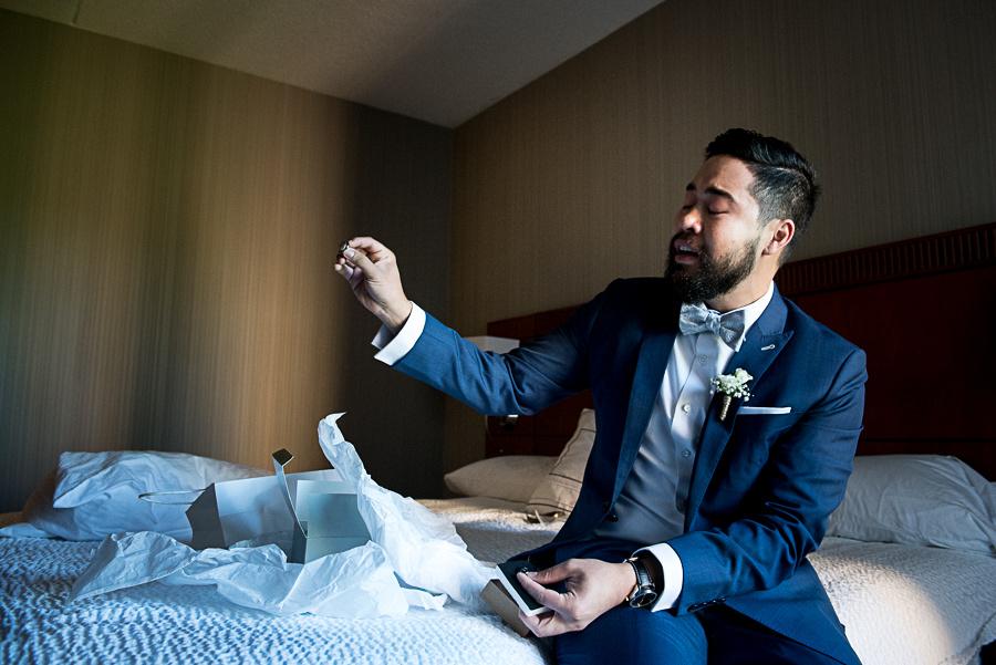 groom reacting