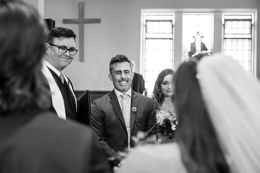 groom aisle
