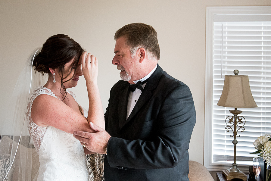 father and daughter bridal photos