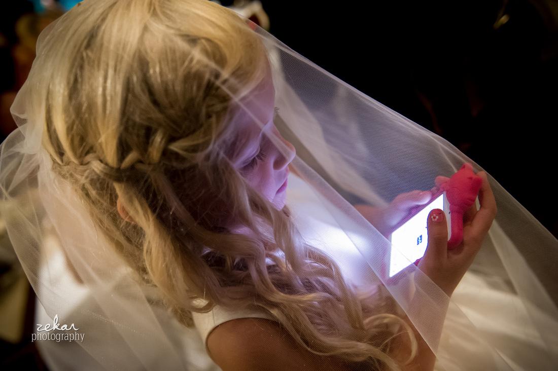 flower girl on cell phone