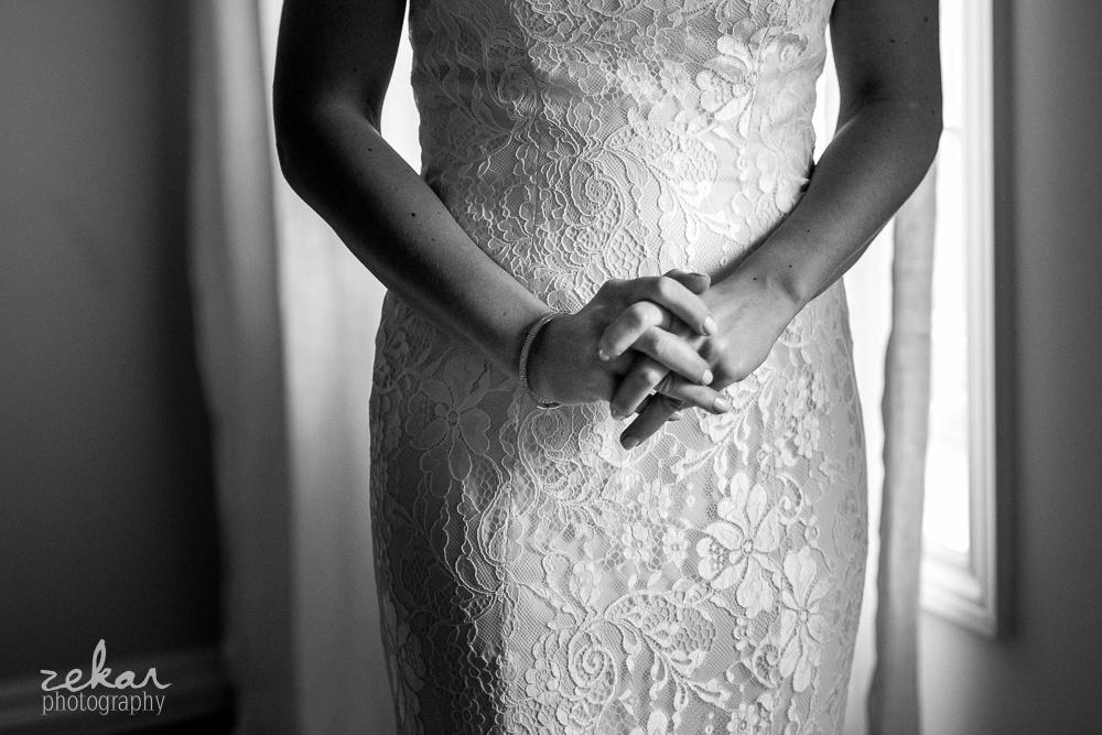 bride hand clasp
